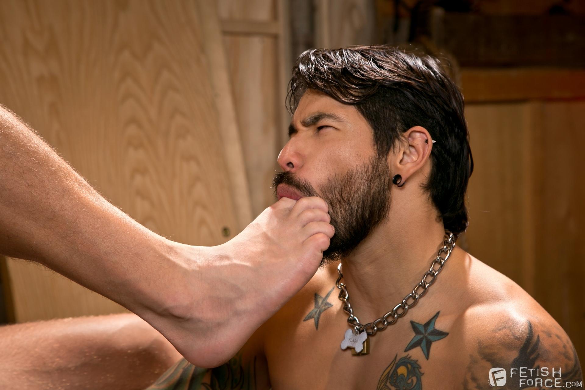 Ethnic gay male feet worship mp4