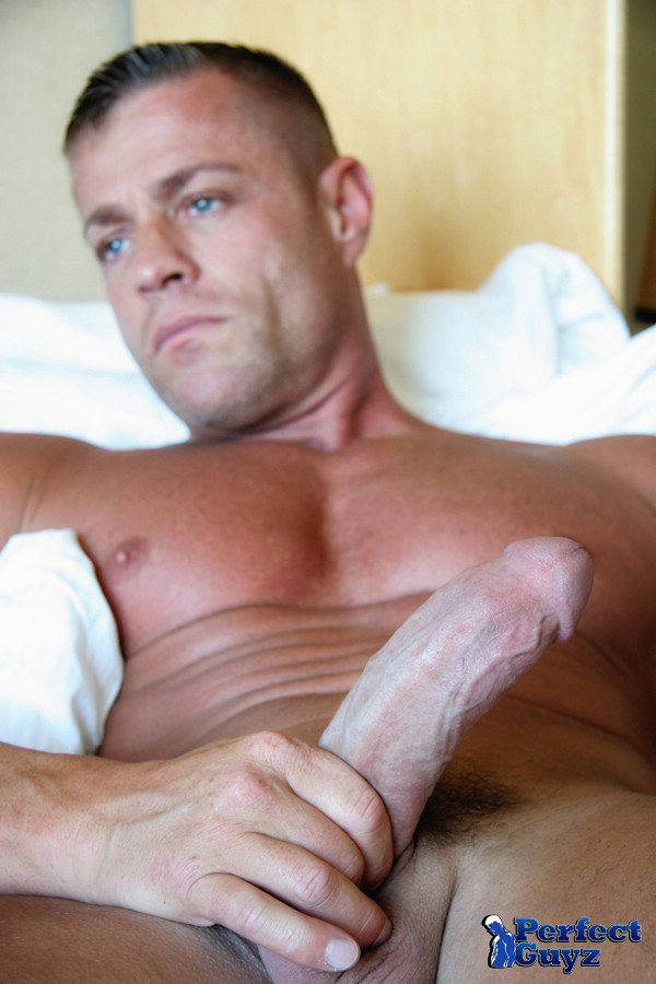 Mature gay jackoff clips
