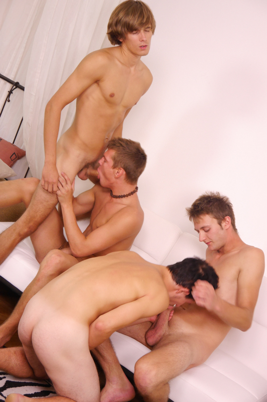 3 twinks suck and fuck outside 9