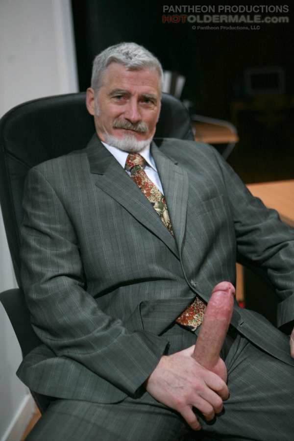 7 clips with older men fucking gay and bi sex 7