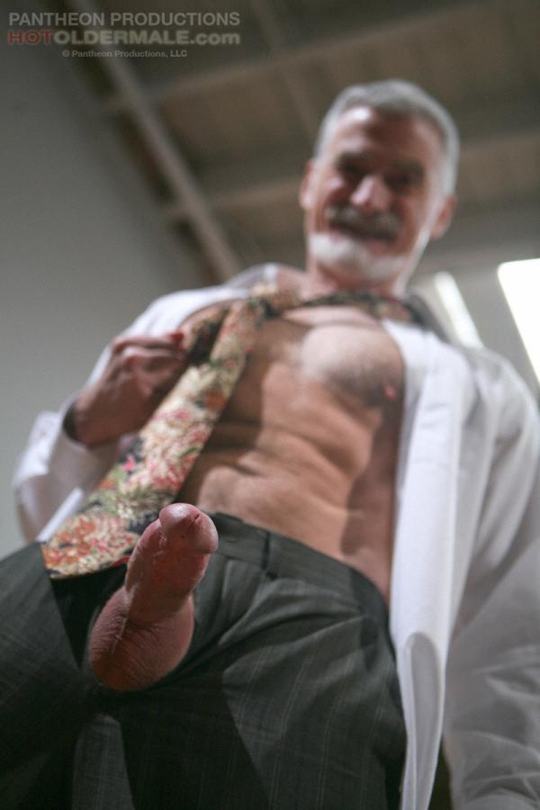 Free hot gay mature suit sex photos