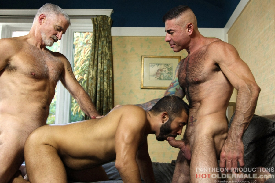 3way porn threesome for newbie actor with hot blonde petite brunette 3