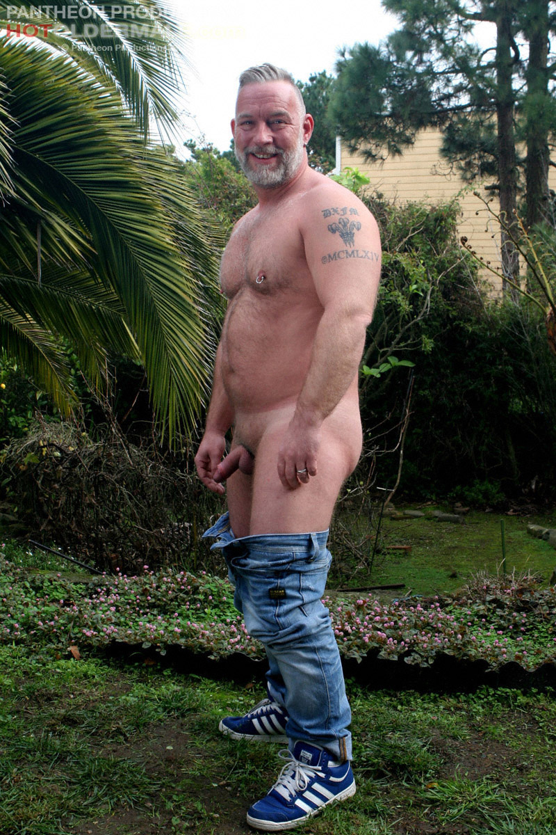 from Raul gay galleries muscle